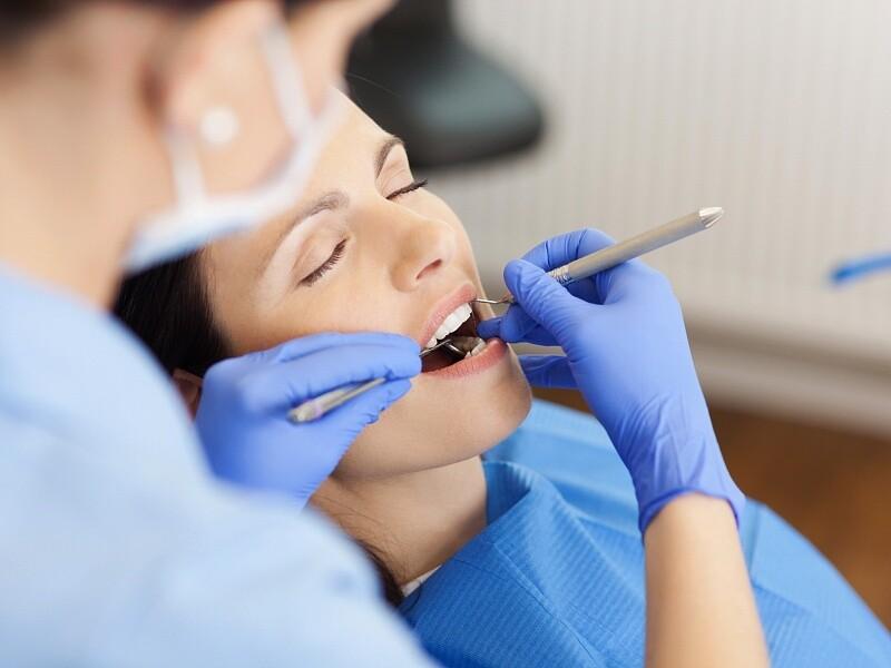 Лікування зубів уві сні